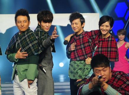 萧敬腾与快乐家族爆笑PK