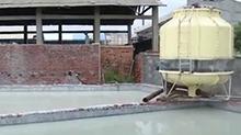 三和水玻璃厂肆意排污 居民常年不敢开窗