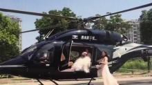 土豪结婚用直升机迎亲 降落公路引拥堵