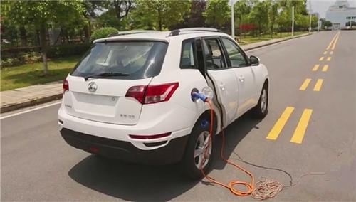 新能源汽车充电不当会怎么样?