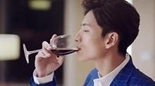 《浪花一朵朵》脑洞KTV:谭松韵<B>张峻</B><B>宁</B>干了这杯爱情的酒