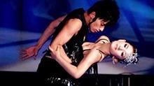 真爱无敌!谢娜感慨与<B>张杰</B>十年相互扶持 伴舞变帮唱恩爱如初