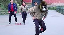 孙杨爆笑扎马步秒变黑猩猩