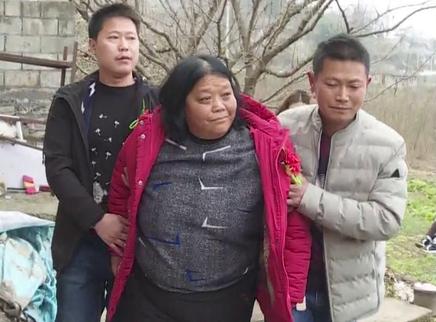 母子被拐30年 两千公里回家路