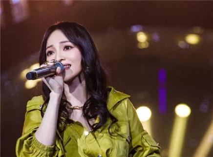 """歌手2018第11期:张韶涵放大招上演金曲""""六连杀"""" Jessie J自比花木兰热血歌颂"""