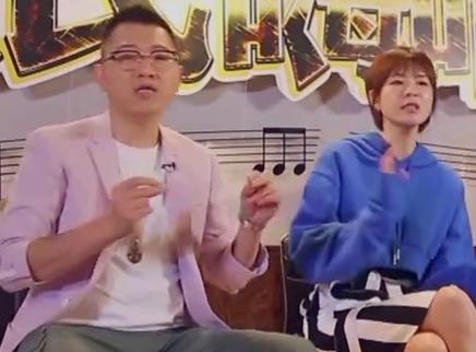 彭宇李艾现场嗨唱不停