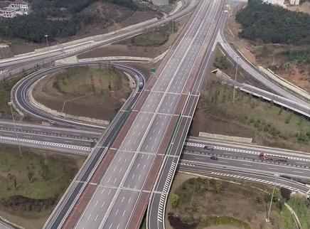 """湖南""""五纵七横""""高速路网基本建成"""