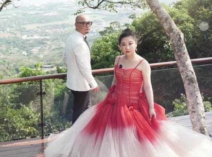 第31期:傅首尔老刘婚纱照超甜