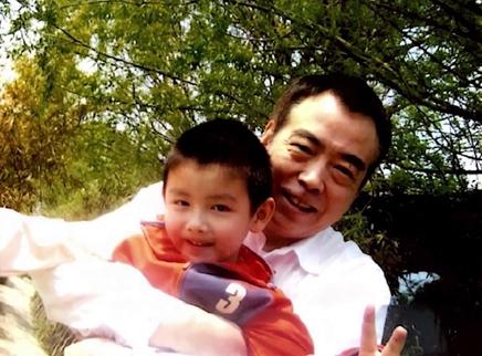 陈飞宇为陈凯歌庆祝父亲节